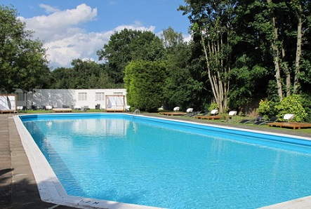 weekly-pool-service-Juno-Beach
